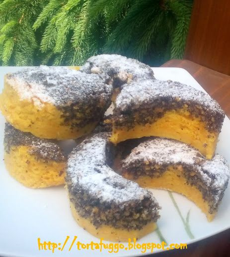 Tortafüggő Marisz: Foltos mákos