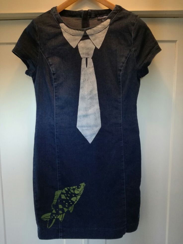Loni Kreativwerkstatt / Jeanskleid mit Fischen und Krawatte.  #print  #upcycling  #refashion