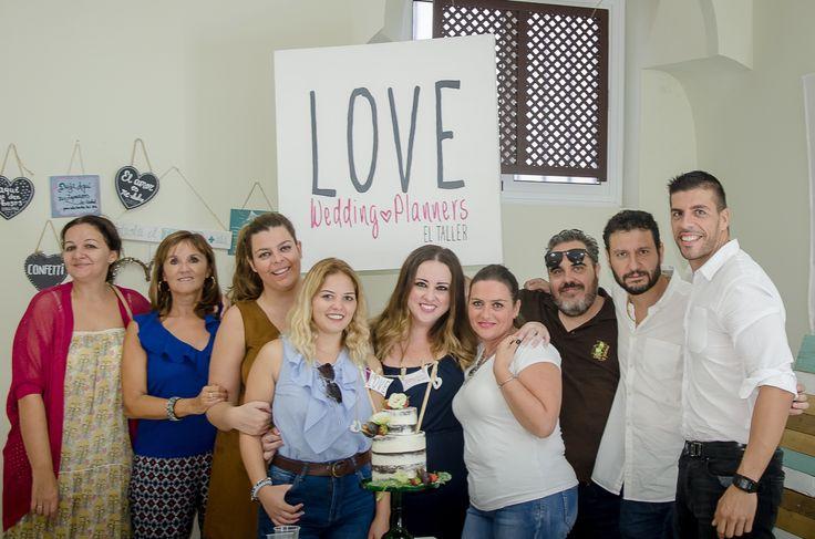 3 de Octubre 2017.  LOVE cumple 5 años. Hoy estoy sin palabras.  GRACIAS, GRACIAS, GRACIAS. ❤️❤️❤️ #contamoshistoriasdeamor #Cádizsiquiero #Hazloqueames #lafelicidaderaesto ....................................... #love #amor #cumpleaños #happy #feliz #tarta #cake #wedding #weddingplanner #weddingdress #weddingday #boda #bodasbonitas #bodasunicas #Cádiz #Sevilla #Jerez #decor #handmade #amigos #friends #equipo #fashion #fashionblogger