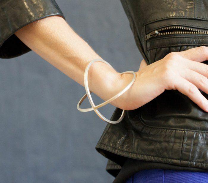 aktuelle modetrends armband massiv accessoires frauen