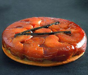 Paul Bocuse vous dévoile pas-à-pas sa délicieuse recette de la tarte tatin...