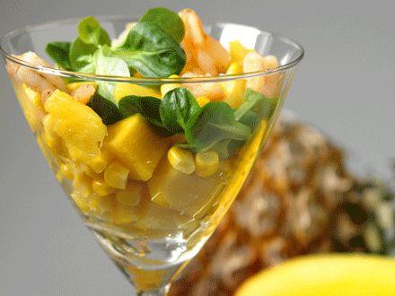 Tropical Salad - drenante    *Per 2   350 gr songino  3 fette di ananas fresco - bromelina  3 cuori di palma  100 gr gamberetti sgusciati - flavonoidi  2 cucchiai di mais  1 cucchiaio di semi di lino - omega3  Sale, pepe - termogenesi  1 cucchiaio di olio  Succo di 1 limone  Tagliate ananas e cuori di palma a pezzetti, mescolate insieme agli altri ingredienti!  Condite con una vinaigrette fatta con 1 cucchiaio di extravergine, limone, sale e pepe!   Accompagnate con due fette di pane…