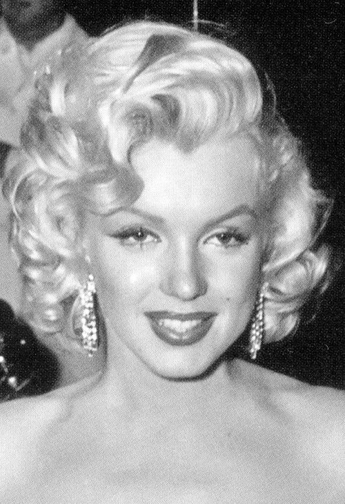 At the how to marry a millionaire premiere 1953 quando for Marilyn jean fishing