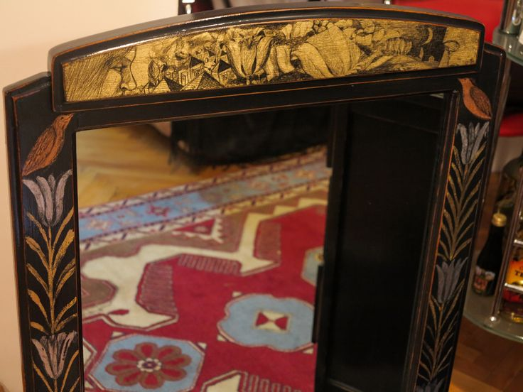 oglinda cu rama patinata si decorata in schlagmetal gravat.detaliu