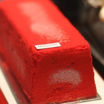 Adriano Zumbo. Red velvet cake with raspberry sponge.raspberry puree and cream cheese. Yum
