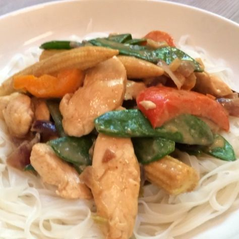 Easy recipes: The Body Coach's healthy peanut butter chicken with rice noodles | Food | Life & Style | Express.co.uk