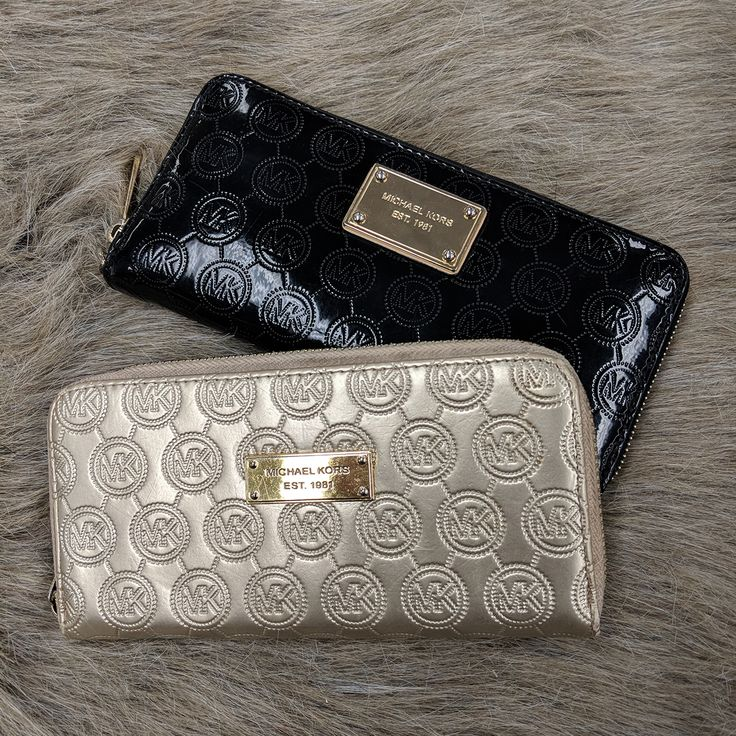 We all wish our wallets came with free refills. However, these #MK wallets are gorg & way less than retail price so, that's practically the same thing. #logic #walletsmakemehappy #PlatosClosetOshawa #gentlyused #womenswallets // #MichaelKors wallets, Gold, $25, Black $50 // | www.platosclosetoshawa.com