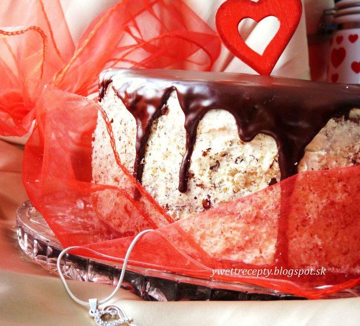Neviem torty tak krásne ozdobiť, tak je len taká jednoduchá... http://ywettrecepty.blogspot.sk/2013/01/torticka-z-lasky.html
