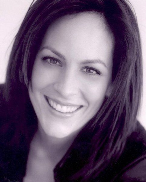 Annabeth Gish   courthouse; x-files; west wing; brotherhood; flash forward; csi: Miami; pretty little liars; the bridge; sons of anarchy. She turns up in all my favorite shows,very versatile and talented.  Still looks dynamite!