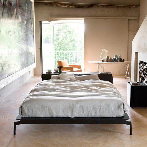 cama-no-meio-do-quarto