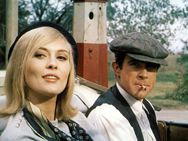 Bonnie and Clyde 1967,Faye Dunaway,Warren Beatty,Gene Hackman and Estelle Parsons (she won an Academy Award for Best Supporting Actress) the movie was nominated for 10 Academy awards only Estelle Parsons won.
