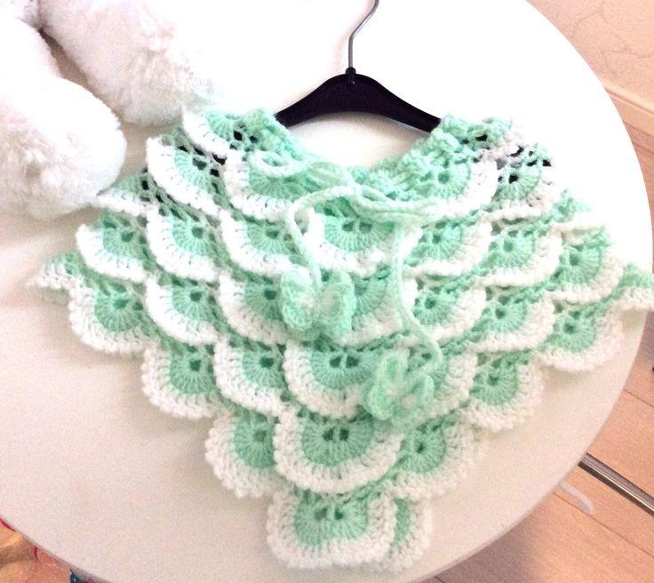 Een persoonlijke favoriet uit mijn Etsy shop https://www.etsy.com/nl/listing/515264214/baby-kleding-baby-poncho-gehaakt-baby