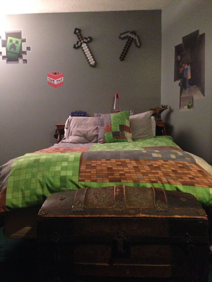 Minecraft bedroom sword and pick ax from target bedding for Bed decoration minecraft