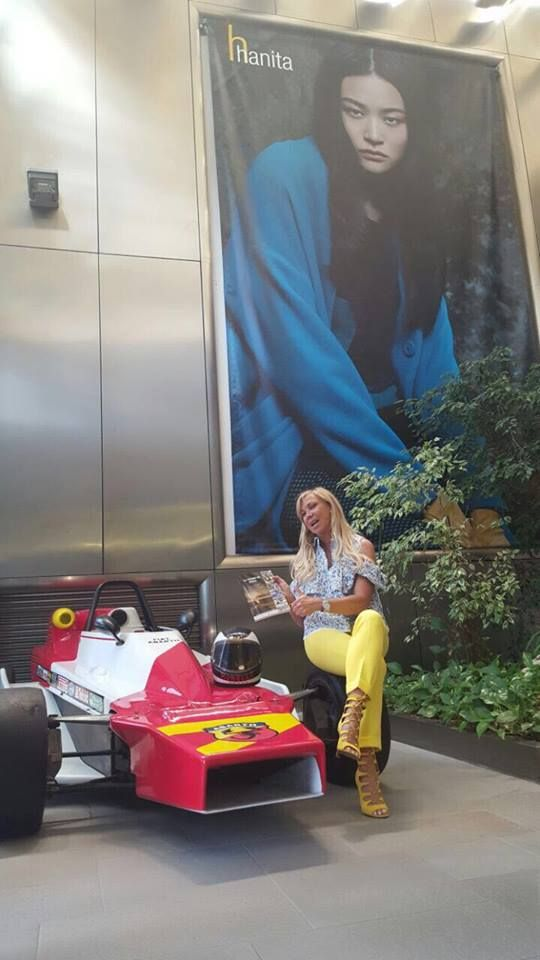 #Hanitapress #SS17  Piacevole sorpresa oggi in casa Hanita. A farci visita, un volto noto del giornalismo sportivo, Claudia Peroni.  Rigorosamente in #totallook Hanita SS17.
