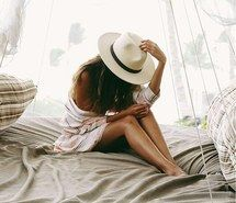 Inspiring image body, fashion, hat, legs, ootd #4328118 by LuciaLin - Resolution…