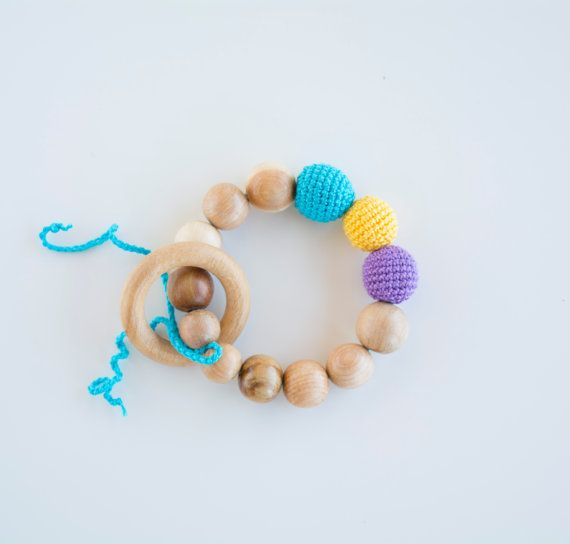 Teething ring with crochet beads and natural juniper by MyFirstToy
