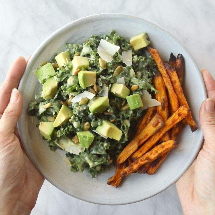 Okay, Avocado-Grünkohl-Caesar-Salat ist ein Lebenswandler! Grünkohl, Avocado und knusprige