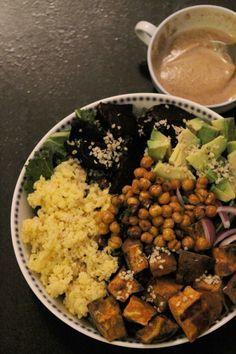 Bol du Buddha: légumes rôtis, millet et sauce tahini