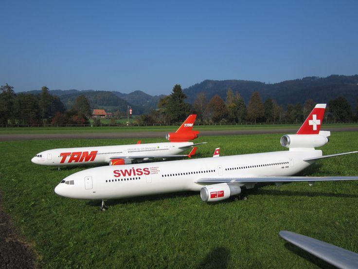 Radio controlled McDonnell Douglas MD-11 Swiss und TAM Airline turbine m...