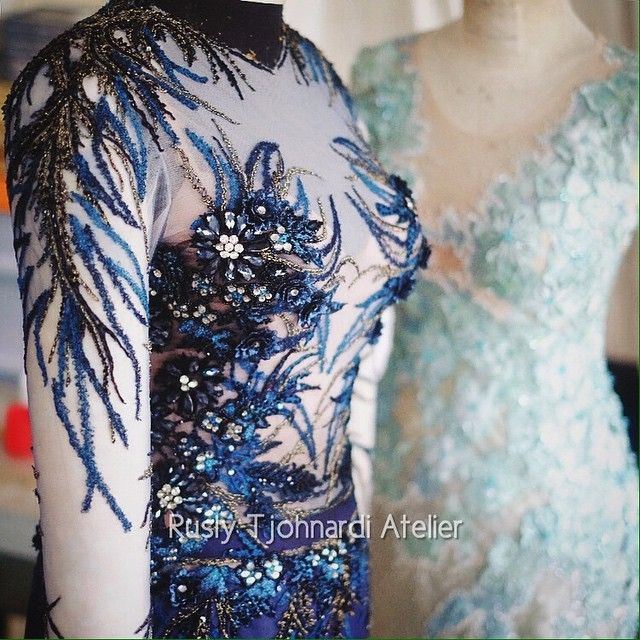 """Production"" Photo taken by @ruslytjohnardiatelier on Instagram #details #production #atelier #lace #embroidery #navyblue #darkblue #bespoke #hautecouture #ruslytjohnardi #ruslytjohnardiatelier #oscarsgown #redcarpetdress #redcarpetgown"