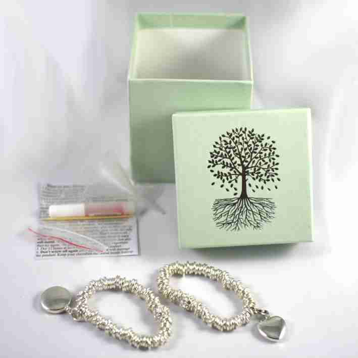 925 Silver Sweetie Style Bracelet with either a round or heart shaped charm to hold a token amount of your loved one's ashes. Comes with a pretty keepsake box which is ideal for treasured jewellery and a kit for transferring the ashes safely.#jewellery #cremation www.scattering-ashes.co.uk