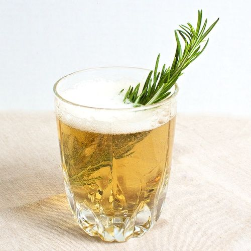 The Honey Tree | whiskey, ginger ale, honey and rosemary (I make it with gingerbeer and without honey--it's my favorite drink)