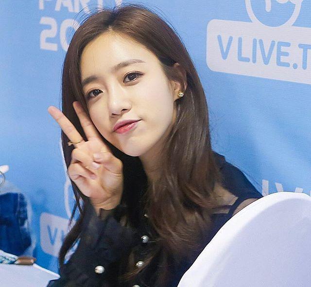 #T_ARA   EUNJUNG  In Vietnam #hahmeunjung #parkjiyeon #parksoyeon #jeonboram #leeqri #parkhyomin #eunjung #jiyeon #soyeon #boram #qri #hyomin #tiara #tara