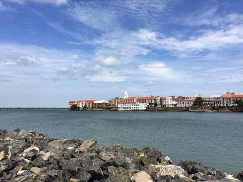 The old and the new: on one side, 'Casco Viejo', where Panama was founded… #Panama #CascoViejo #RTW #JulesVernex2 More in our stay in Panama on our travel blog julesvernex2.com