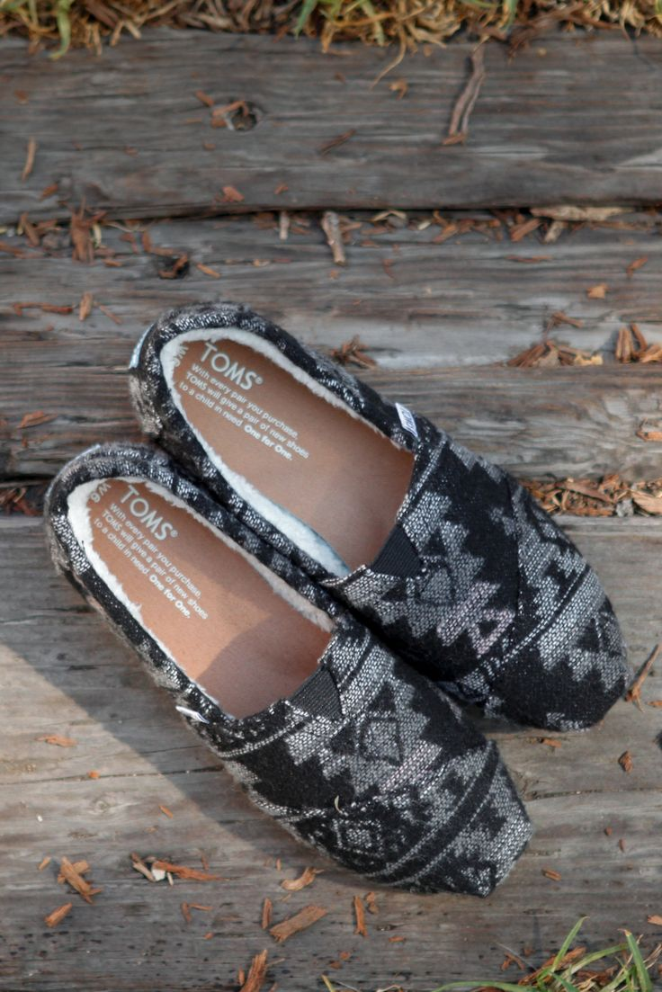Liven up your fall wardrobe with TOMS Tribal Wool Shearling Classics.