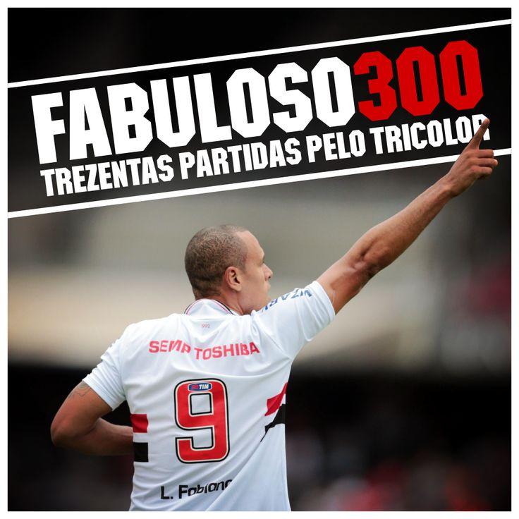 Luis Fabiano atinge a marca de 300 jogos defendendo o Tricolor na partida  contra o Atlético Paranaense, no Morumbi, pelo Brasileirão
