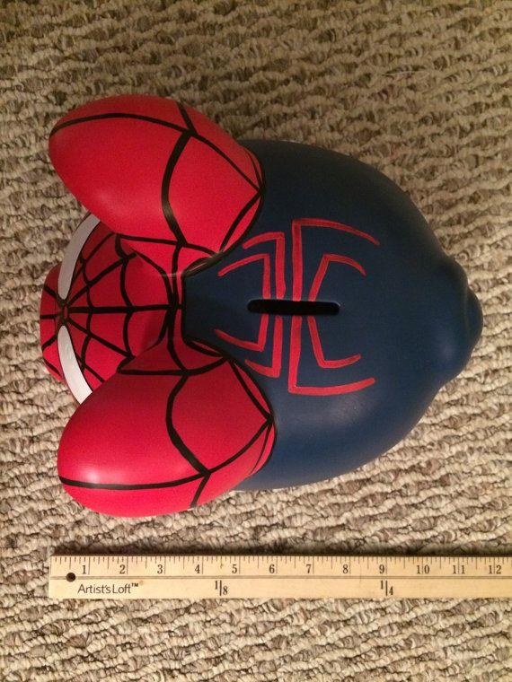 El asombroso Spider-Man pintado a mano de cerámica por KaleyCrafts
