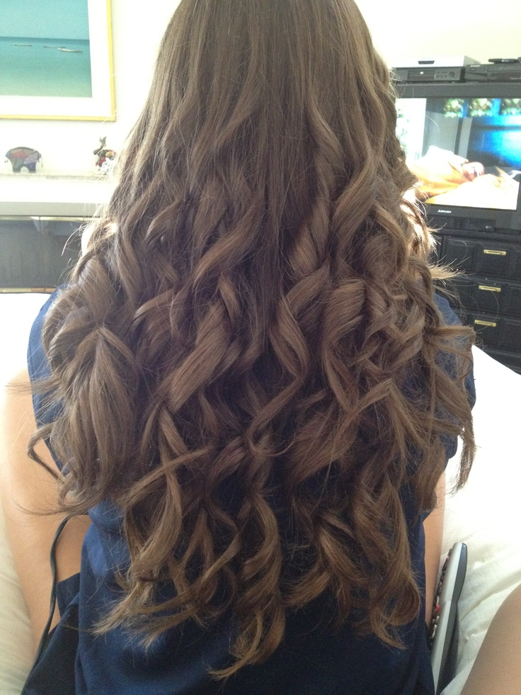 I curled Chandler's hair!!!!:)