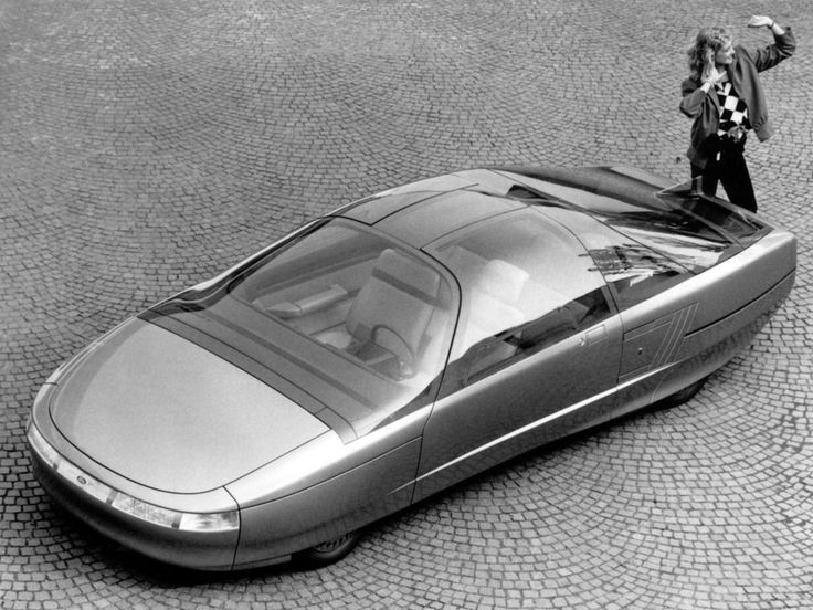 The aerodynamic 1985 Ford Probe V concept vehicle by Ghia was intended as an extension of the Taurus family lineage.