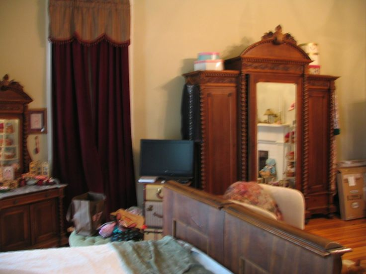 1 Bedroom For Rent Sacramento Ca besides 51650726950804628 besides Distinctive Facade And A Dazzling Interior Shape The Thorncrest House 2 moreover Bi Level 2011552 besides Outstanding Mirrored Bedroom Furniture. on master bedroom sets
