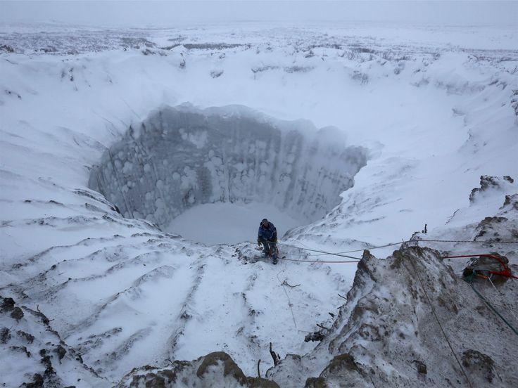 地球温暖化によって異常気象や海水面上昇など、さまざまな環境問題が引き起こされると言われています。一刻も早い地球温暖化対策が求められている状況で、近年、ロシアに次々と出現している直径数十メートルの巨