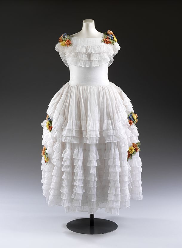 Robe de style, Jeanne Lanvin, ca. 1922-3, white organza dress with artificial flowers. l Victoria and Albert Museum