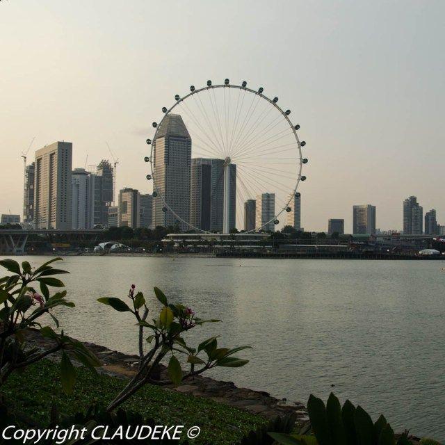 Skyline Singapore © CLAUDEKE www.claudeke.com