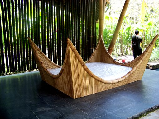I designed this daybed with colleagues at PT Bamboo Pure (Ibuku) in Bali. It is in Green Village now, which is next to the Green School.