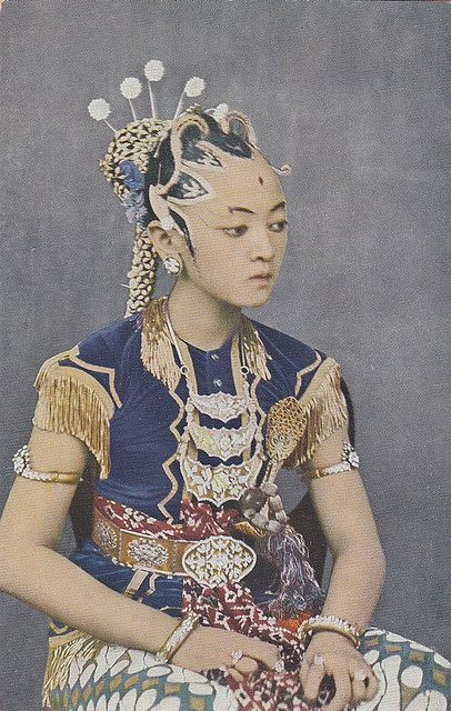 Tempo Doeloe  - Yogyakarta, Head Dancer of the Sultan, 1919 #Indonesia