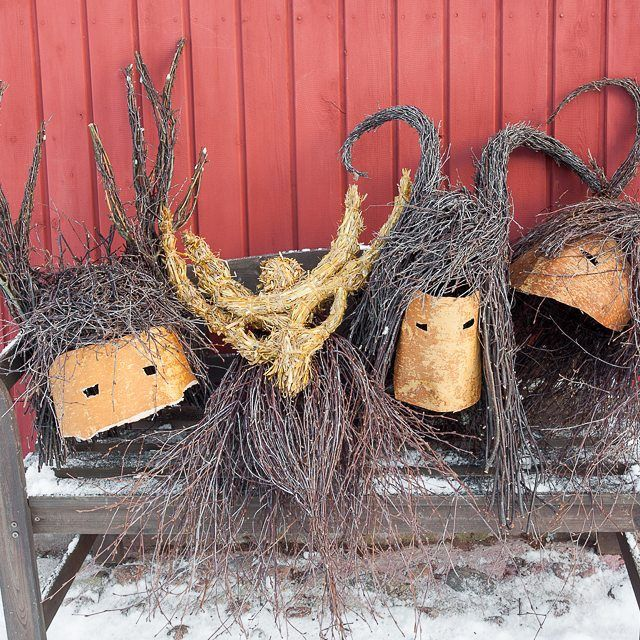 Nuuttipukki masks made of birch twigs, birch bark and straw. #birchtwig #koivurisu #björkris #nuut - finntwigs