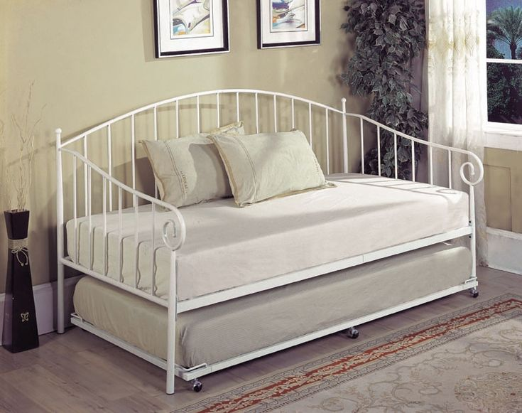 17 best ideas about metal daybed with trundle on pinterest farmhouse futon frames farmhouse futon mattresses and farmhouse futon covers