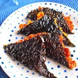 プチっとピリ辛!高野納豆海苔フライ by Oriental Mamaさん   レシピブログ - 料理ブログのレシピ満載! 味付けはキムチポーションにお任せです!家庭にある材料で、高タンパク低カロリーなピリ辛味のヘルシーな揚げ物です。 香りと旨みのある食材コラボで、熱々をいただいてくださいね!