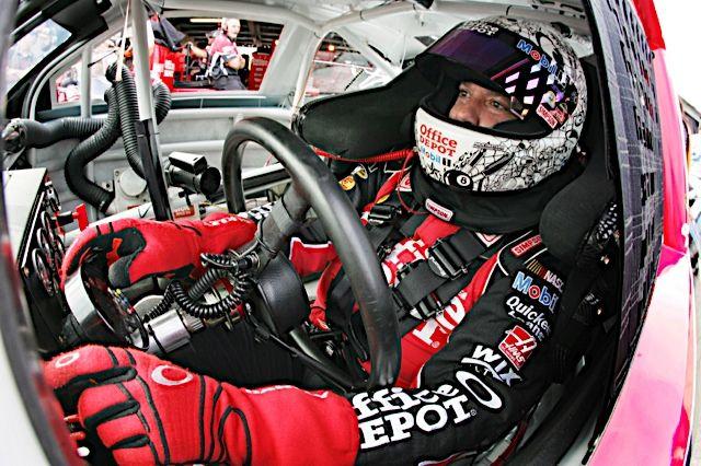 "RACE ADVANCE: Hollywood Casino 400 at Kansas Speedway - ""Progressive Rock"""
