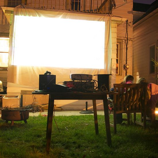How to Turn Your Backyard Into an Outdoor Movie Theater