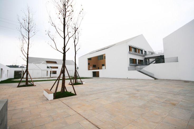 Escuela para niños sordos y con discapacidad intelectual / China Southwest Architectural Design and Research Institute Corp. Ltd