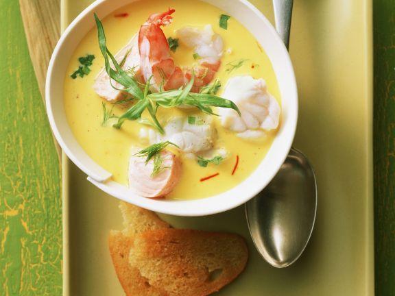 Probieren Sie die leckere Meeresfrüchtesuppe mit Fenchel und Safran von EAT SMARTER oder eines unserer anderen gesunden Rezepte!