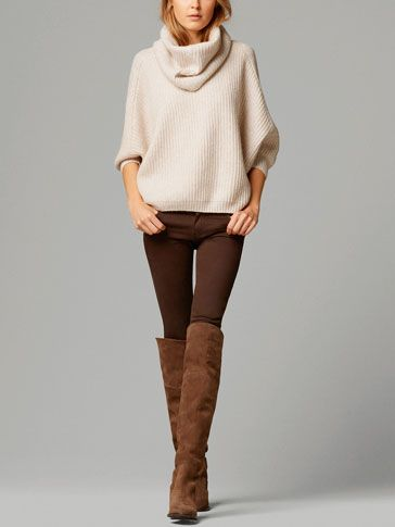 OVERSIZE SWEATER WITH REMOVABLE COLLAR