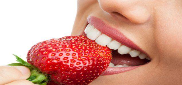 न्यूयार्क। आपने सुना या पढ़ा होगा कि किसी फल और बेकिंग सोडा से बने पदार्थ को दांतों पर मलने से दां