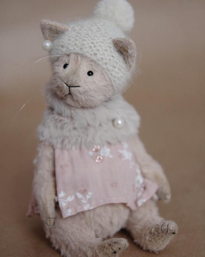 134 отметок «Нравится», 3 комментариев — Teddy bear by Krivitskaya (@krivitskayatatiana) в Instagram: «Gentle Charlotte ❤  #krivitskayatatiana #artistdoll #instagram #instaart #teddy #Etsy #handmade…»
