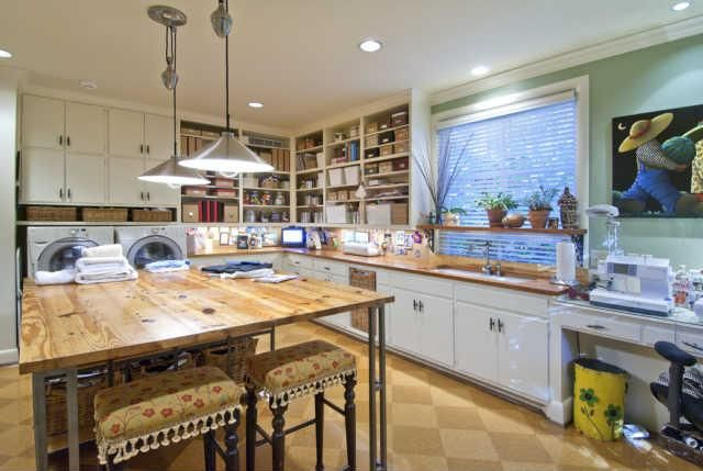 Multi use laundry room/craft room/sewing room combo